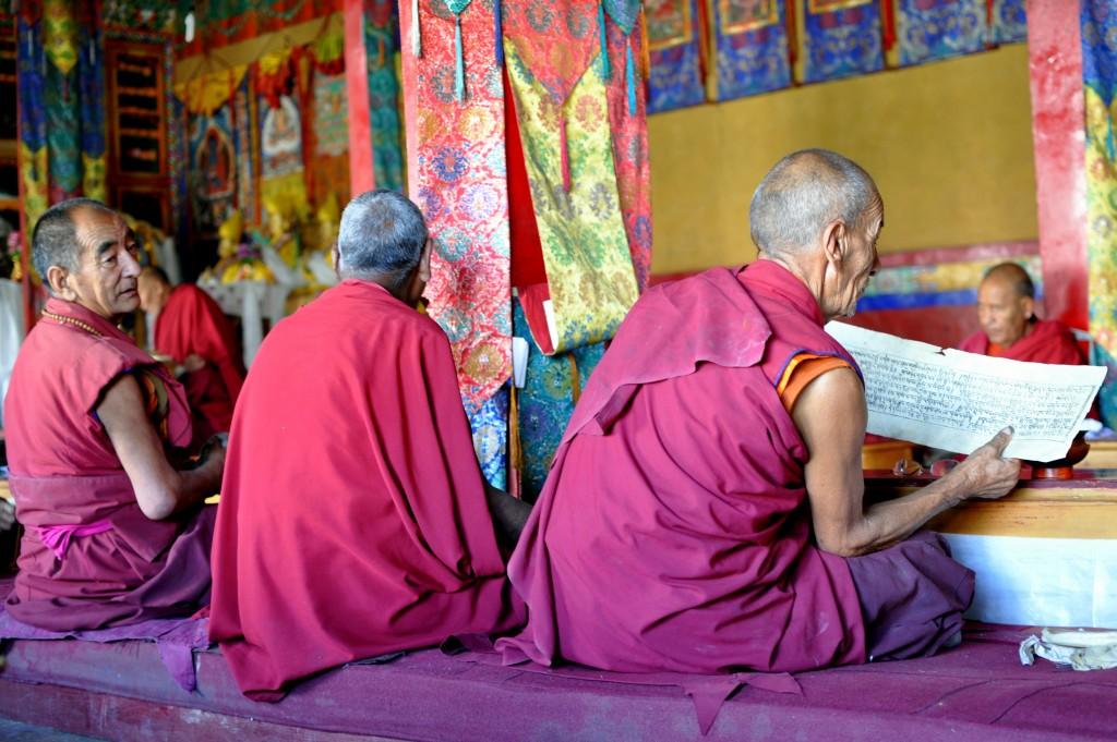 Moines bouddhistes, monastère de Diskit