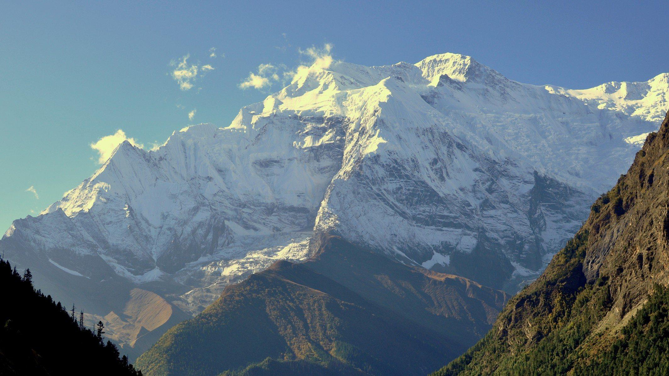 tour des Annapurnas, Annapurnas II depuis Ghyaru