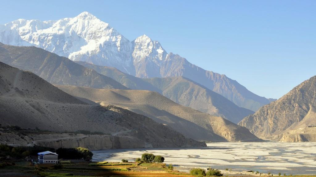 Tour nord des Annapurnas - Vallée de Kali Gandaki, depuis Kagbeni (2800m) et vue sur les Nilgiri (7061m)