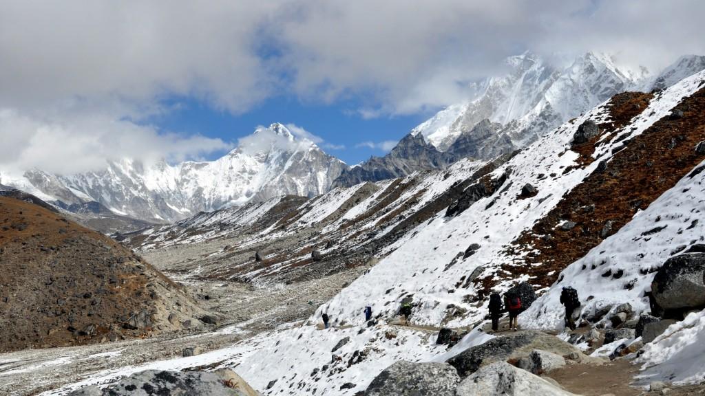 Vallée glaciaire du Khumbu (5000+m), sentier vers Lobuche (4910m)