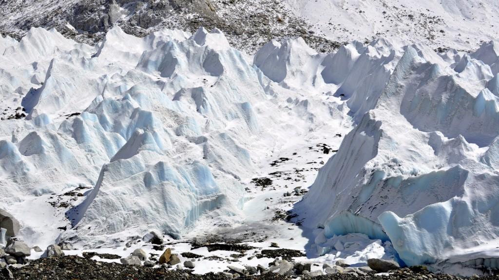 Glacier du Khumbu, partie médiane