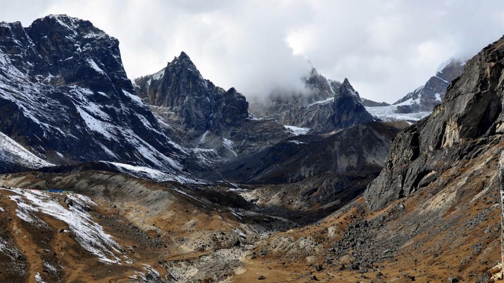 Camp de Dzonglha (4830m), vers le col de Cho La