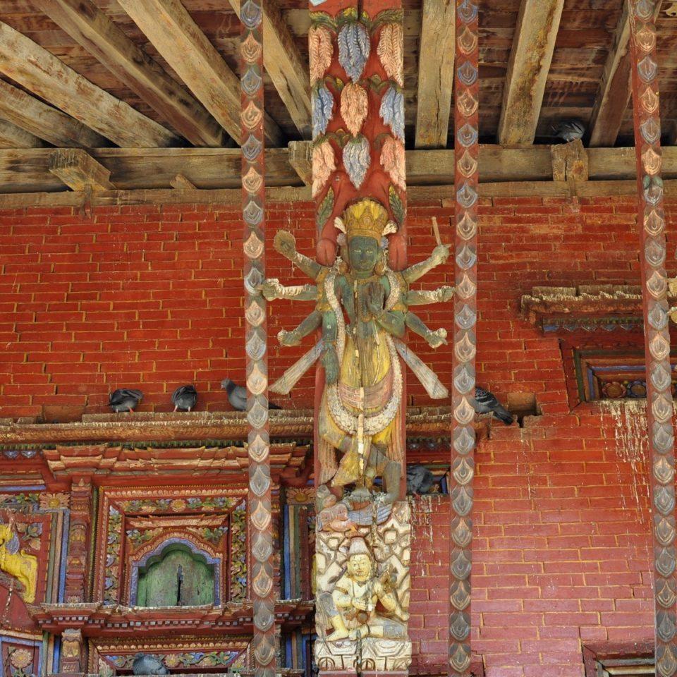 Temple de Changu Narayan, détail des montants en bois