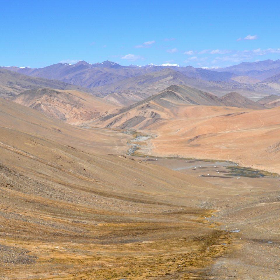Col de Kyamaru La (547m) et vue sur le camp nomade de Rachung Karu (4850m)